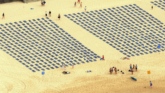 Crime_scene_towels_on_Bondi_Beach_-_close_up_from_chopper