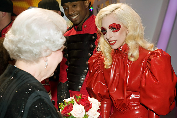 royal_lady_gaga-600x400